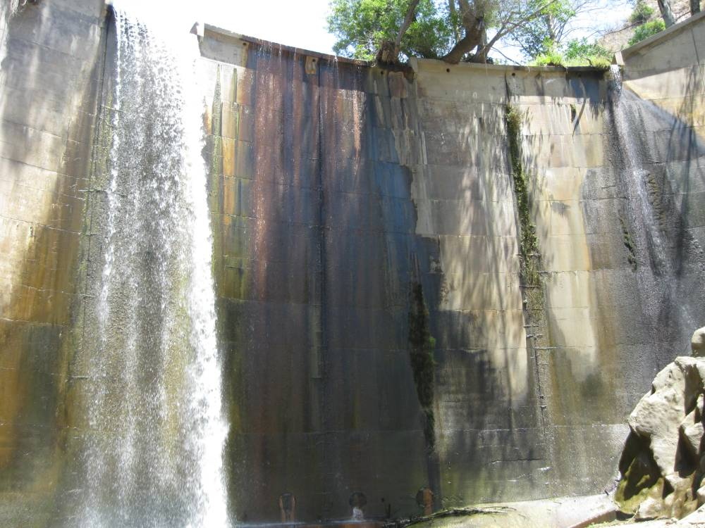 It's a hike to Arroyo Seco's Brown Mountain Dam (1/2)